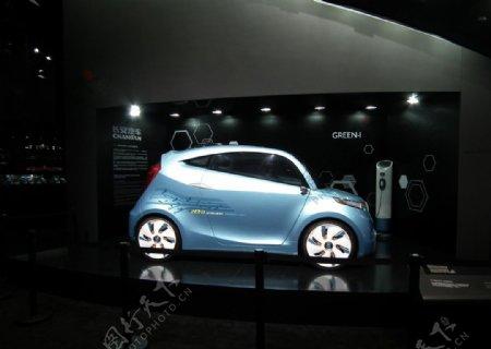 2011年上海车展浅兰色微型轿车图片