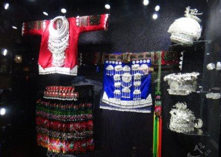 苗族银饰服装