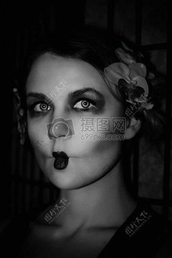 化妆的欧美女人