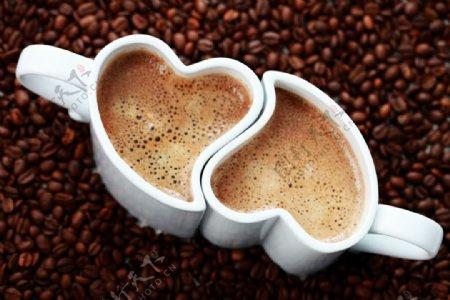 咖啡心形杯子壁纸网站背景图片