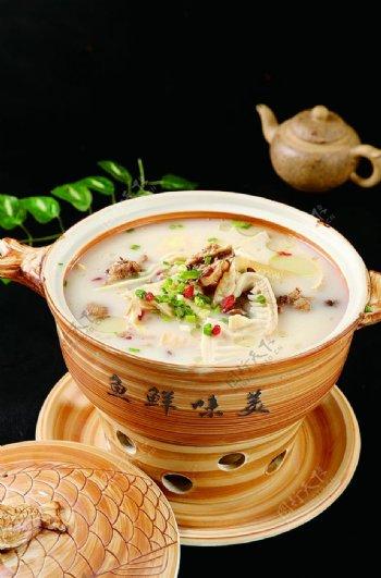 南北热菜竹笋炖母鸡图片