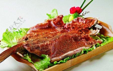 特色菜烤农场园林鲤鱼图片