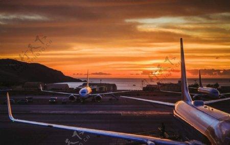 机场夕阳图片