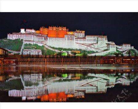 布达拉宫倒影图片