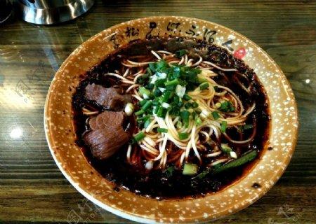 重庆小面牛肉面面条早餐图片