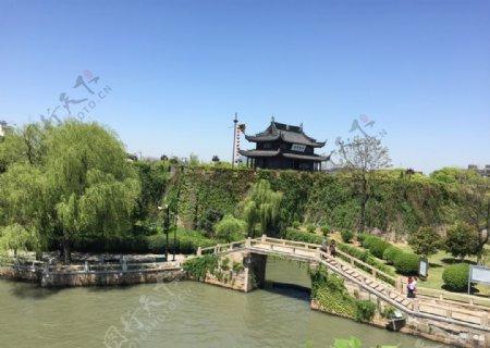 护城河图片