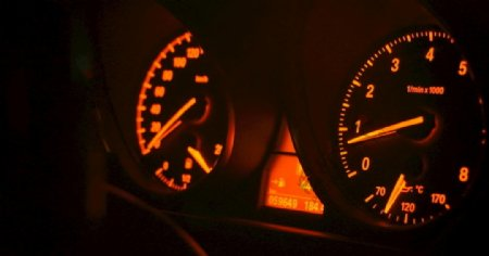 仪表板汽车车速表仪表图片